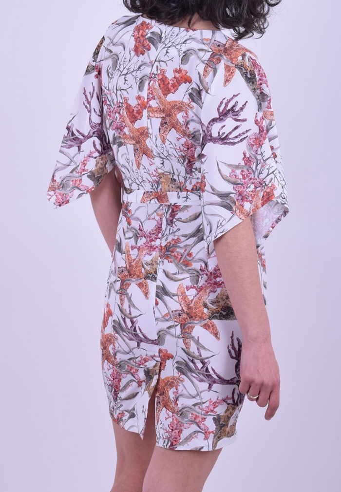 6c48674d5ea9 Φόρεμα κοντό φλοράλ με βολάν μανίκι - Moda4u
